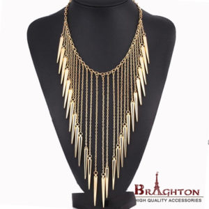 2015-New-Collares-Jewelry-European-Style-Vintage-Trench-Fashion-Necklaces-Rivet-Long-Tassel-Punk-Accessories-Women.jpeg