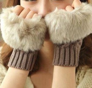 Fashion-Short-Diamond-Knitted-Gloves-Womens-Winter-Warm-Mitten-Wrist-Soft-Brief-Style-Rabbit-Fur-Fingerless.jpeg